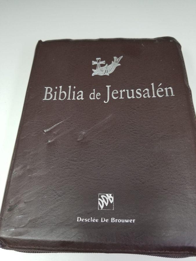 Cubierta de mi Biblia de Jerusalén