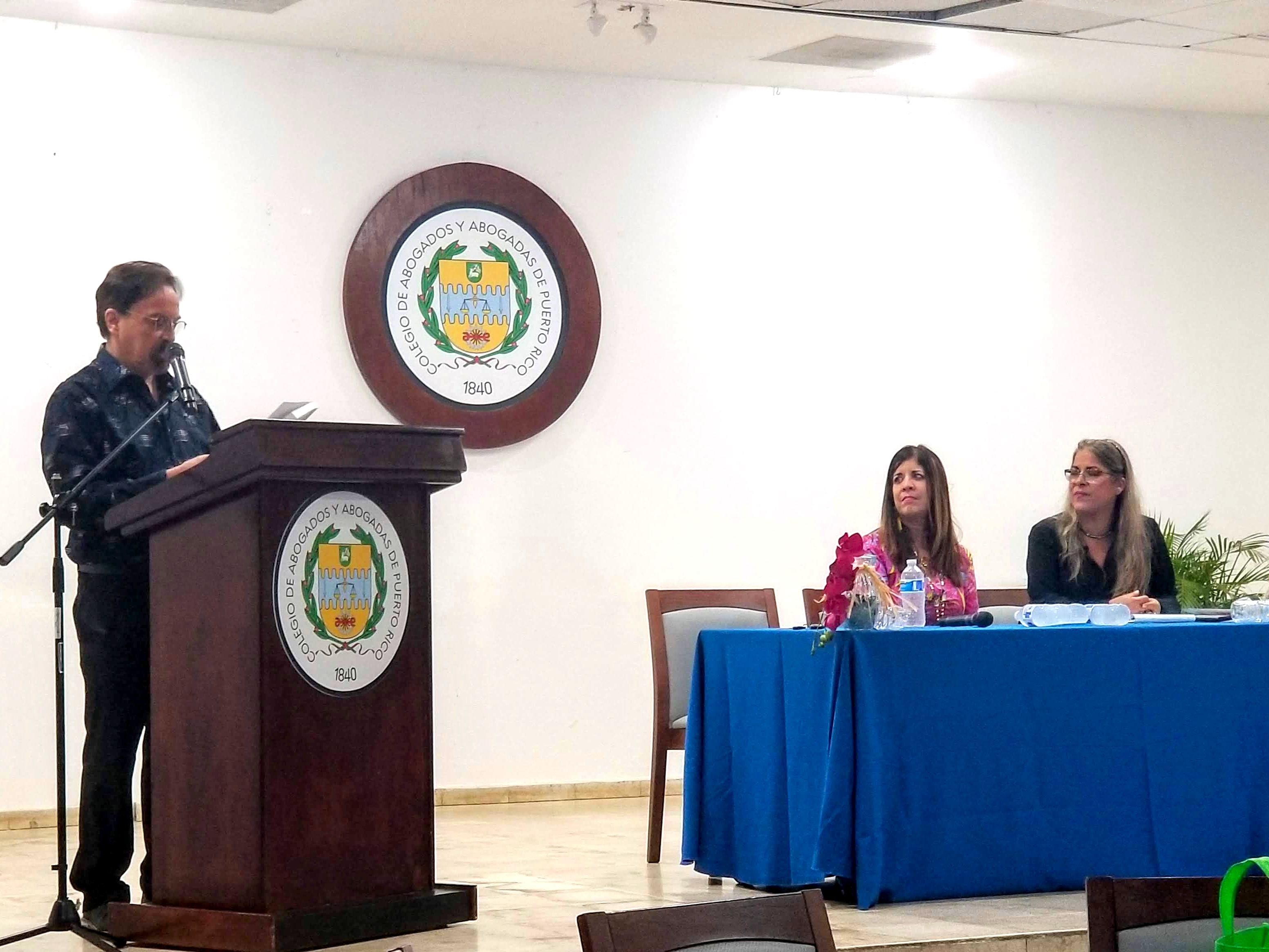 Dos de los autores de Ateos y agnósticos en Puerto Rico