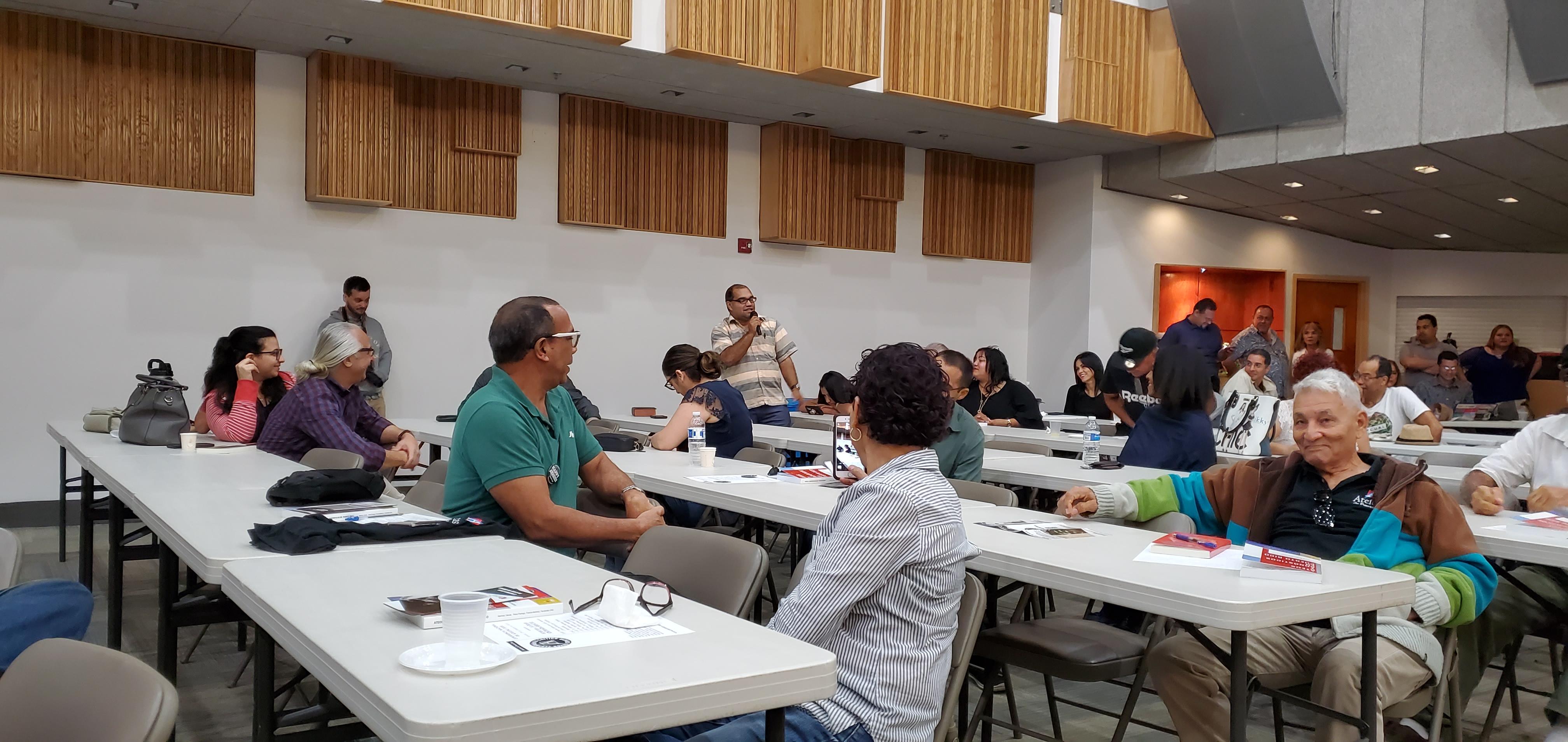 El pastor pentecostal Julio Álvarez en la Asamblea Nacional de Ateístas de Puerto Rico, 2020. (c) 2020, Pedro M. Rosario Barbosa. Licencia: CC-BY 4.0+.